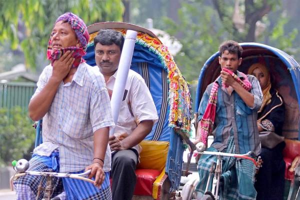 কুমিল্লায় কাঠফাটা তপ্ত রোদ আর ভ্যাপসা গরম থাকবে আরও কয়েকদিন