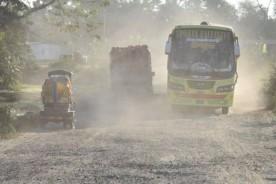 কুমিল্লা-নোয়াখালী সড়কের ধুলায়, দুর্ভোগে কাহিল মানুষ