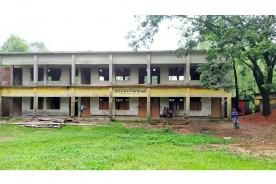 নাঙ্গলকোটে শিক্ষা মন্ত্রণালয়ের নীতিমালা লঙ্ঘনের অভিযোগ স্কুল কমিটির সভাপতির বিরুদ্ধে